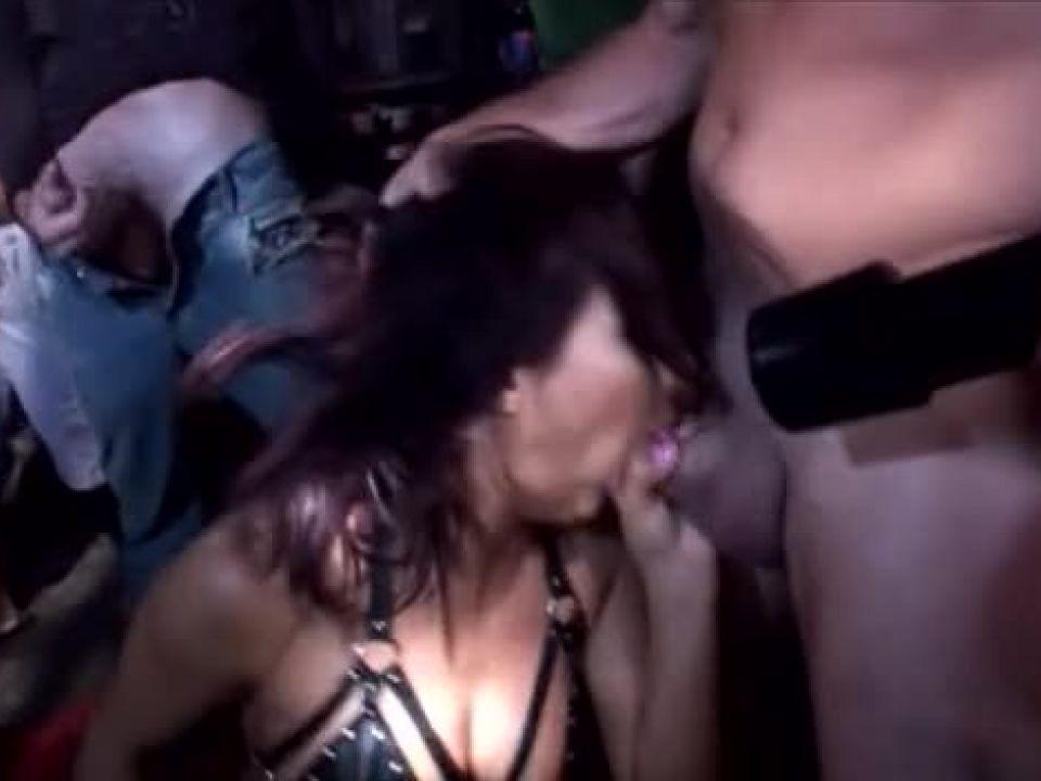 Manuel Ferrara's Slutty and Sluttier (Evil Angel) Screenshot 2