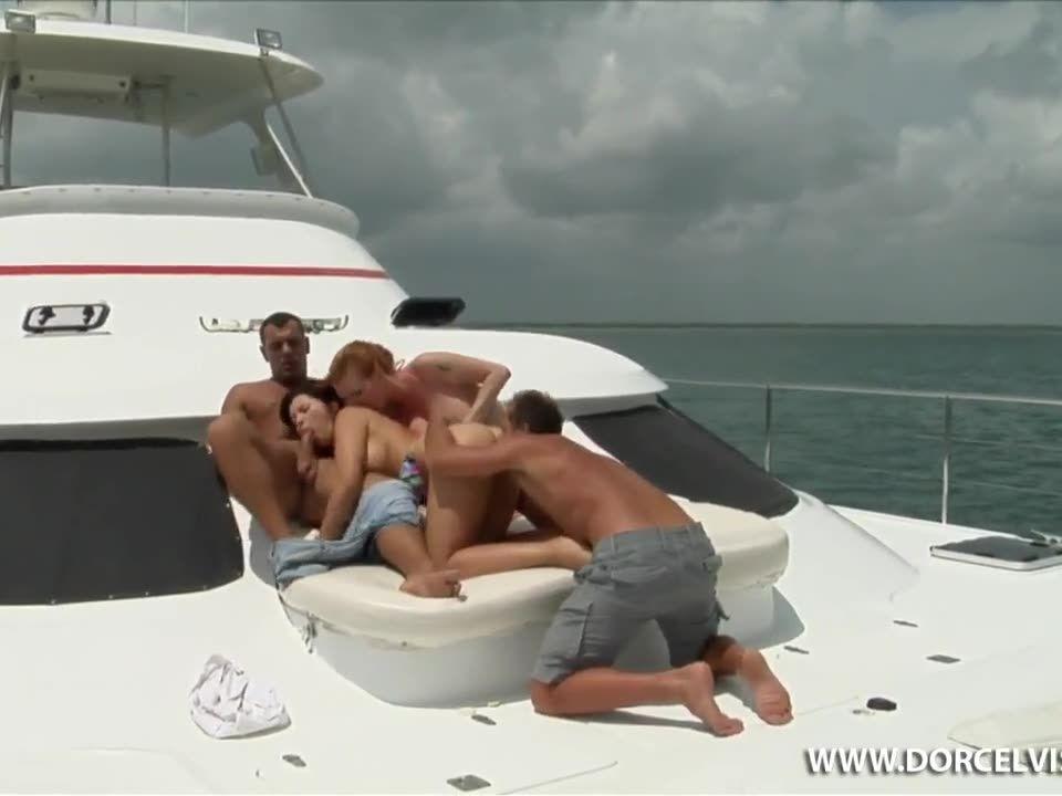Affaire de famille / Family Affair (Marc Dorcel) Screenshot 2