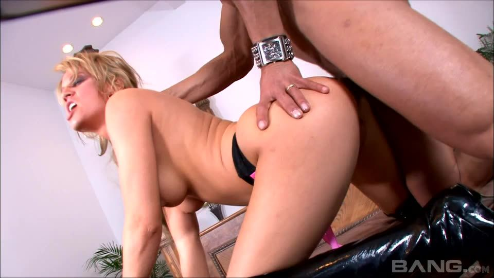 Private Xtreme 41: Addicted to Cock Screenshot 0