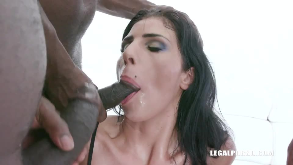 comes to enjoy black feeling (LegalPorno) Screenshot 1