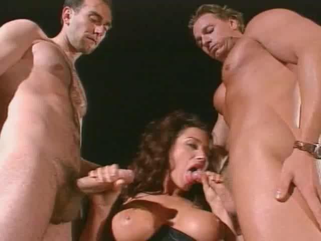 La Inocencia violada / L'Innocence pervertie/ Erotic Villa (Capital Film / Marc Dorcel) Cover Image