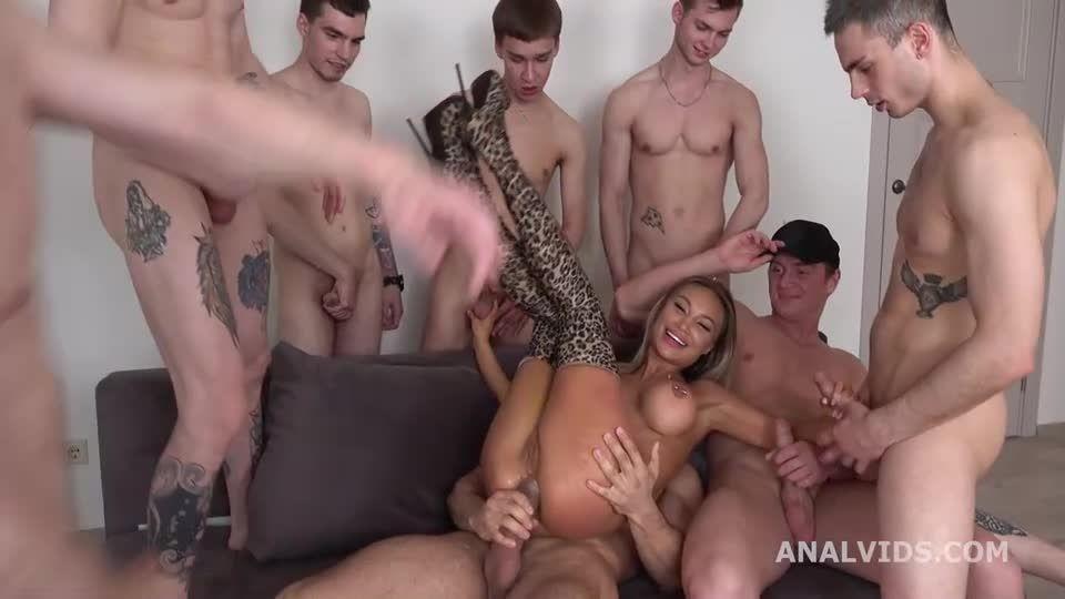 Double anal Gang Bang goes Wet, DAP, Rough Sex, Wrecked Ass, Monster ButtRose, Pee Drink, Cum in Mouth (LegalPorno) Screenshot 2
