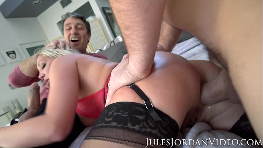 [Jules Jordan Video] Manuel DPs Them All 4 / Travels From Across The Pond For A Deep Double Dicking And A Facial Demolition - Lexi Lowe (DP)/(2M1F)