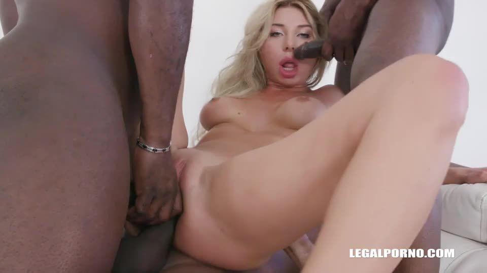 [LegalPorno] Beautiful playmate comes to test black bulls DAP - Marilyn Crystal (DAP)/(Blonde)