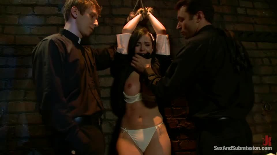 Sins Of Sister Summers (SexAndSubmission / Kink) Screenshot 2