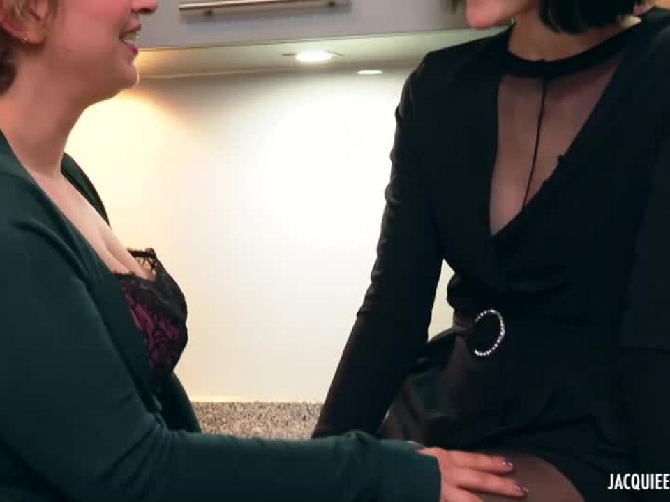 Encore plus loin dans l'extreme avec Agnes, 27ans, institutrice ! (JacquieEtMichelTV / Indecentes-Voisines) Screenshot 2