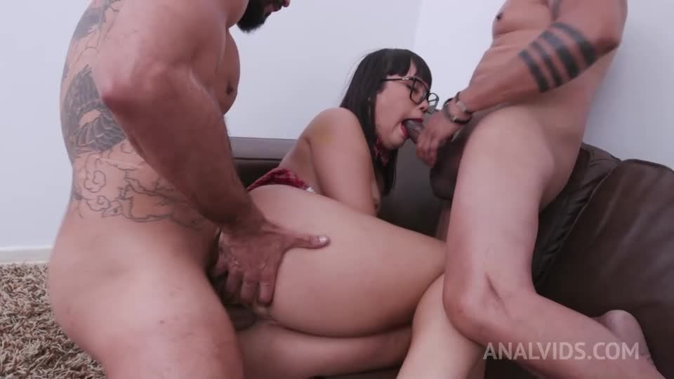Big butt slut assfucked in threesome with double penetration YE022 (LegalPorno / AnalVids) Screenshot 3