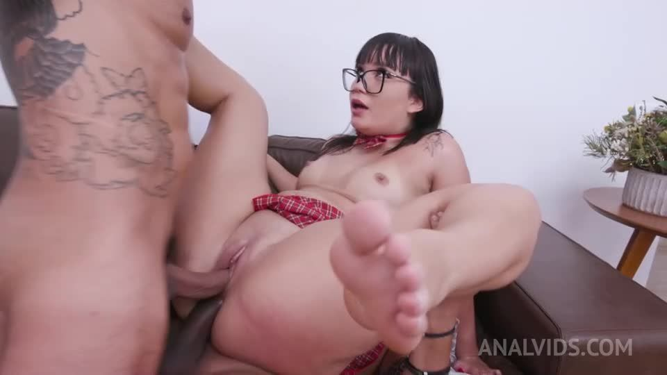 Big butt slut assfucked in threesome with double penetration YE022 (LegalPorno / AnalVids) Screenshot 6