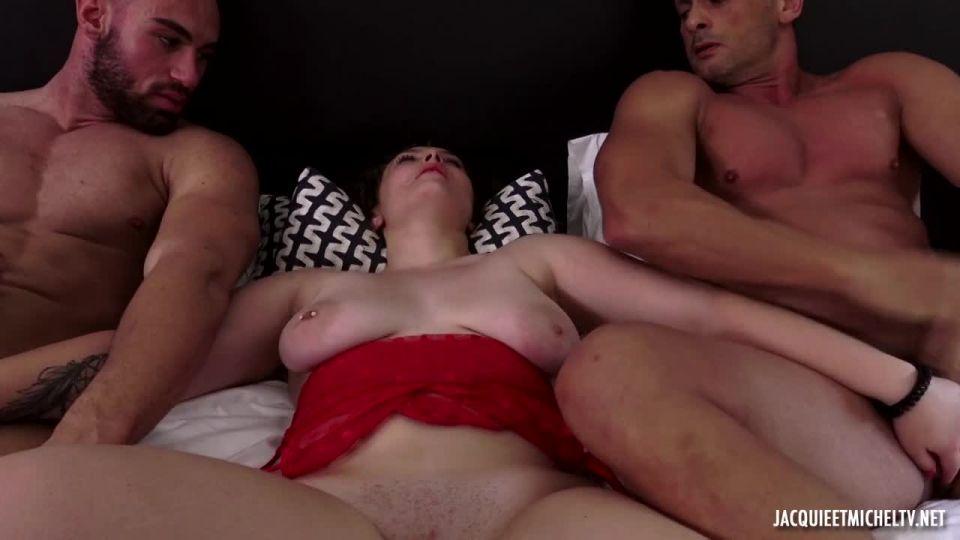 Camille, 22, Deep In Lust! (JacquieEtMichelTV / Indecentes-Voisines) Screenshot 6