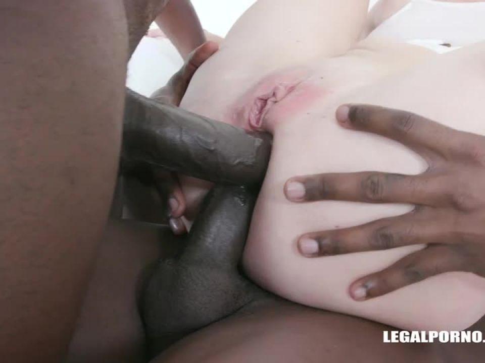Enjoys african champagne (LegalPorno) Screenshot 4