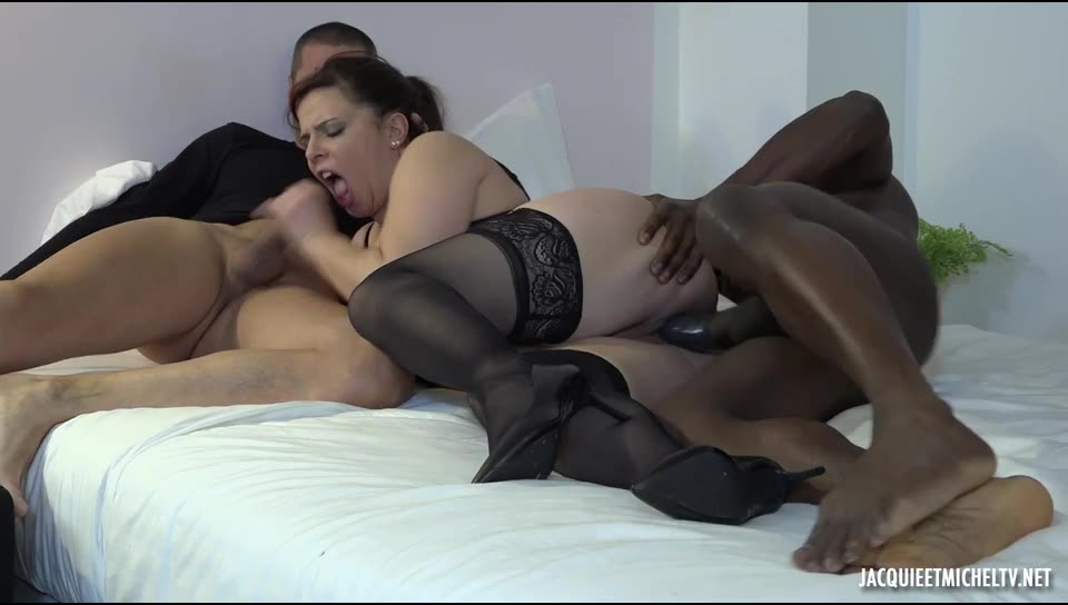 [JacquieEtMichelTV / Indecentes-Voisines] premieres doubles – Dolores (DP)/(Stockings)
