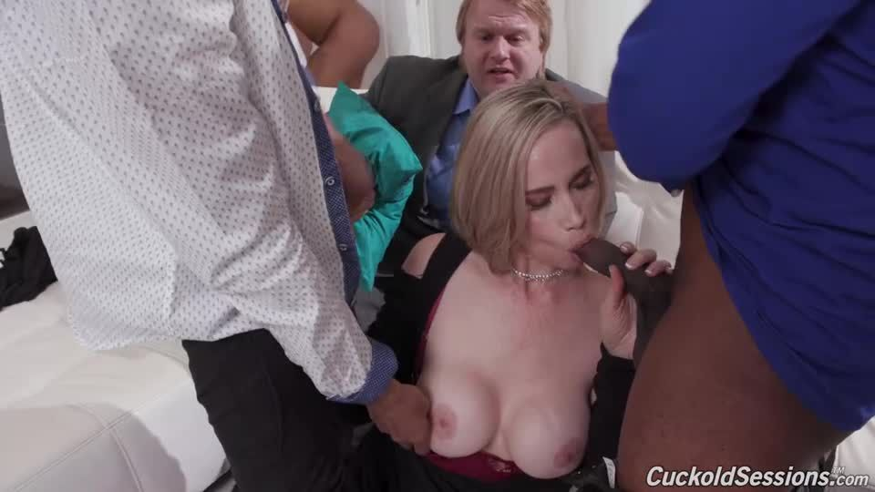 Double Penentration (CuckoldSessions / DogFartNetwork) Screenshot 1