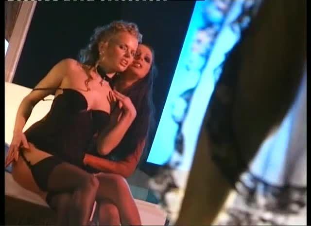 Euro Sluts 4: Caos / Cinéma à l'italienne (H2 Video / ATV) Screenshot 0