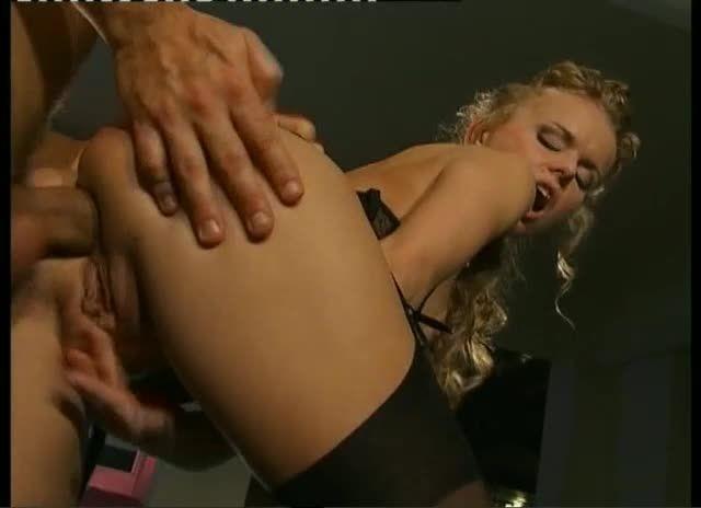 Euro Sluts 4: Caos / Cinéma à l'italienne (H2 Video / ATV) Screenshot 5