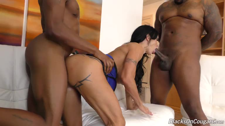[BlacksOnCougars / DogFartNetwork] Double Penentration - Jewels Jade (DP)/(MILF)