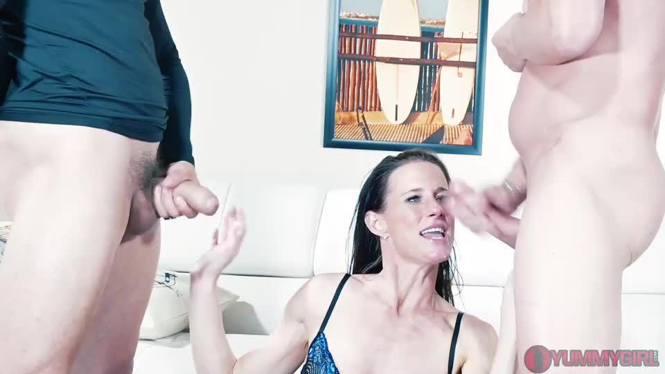 Stepsiblings Reconnect DP Threesome (Yummygirl) Screenshot 9