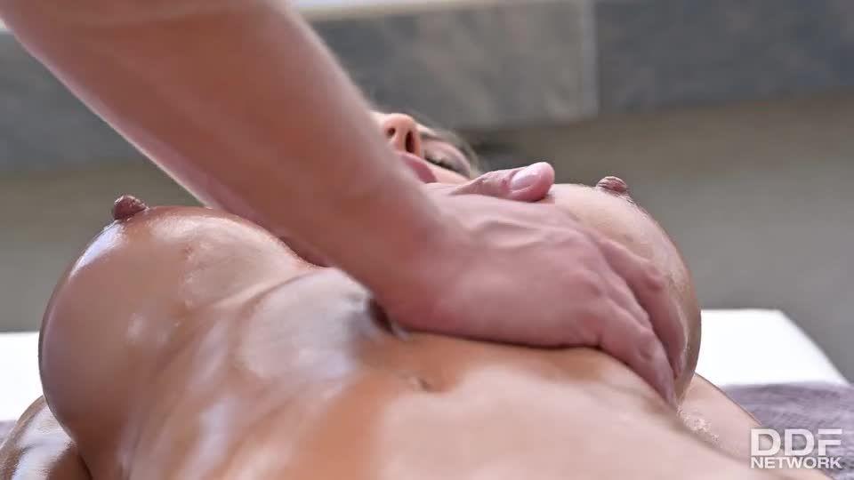Sliding Between And Riding Two Shafts (HandsOnHardcore / DDFNetwork / PornWorld) Screenshot 1