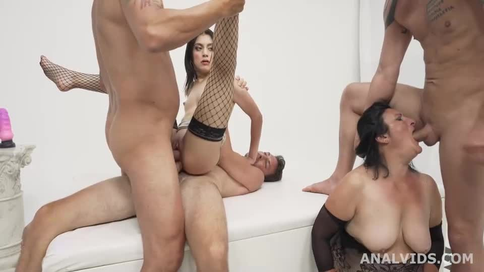 [LegalPorno] Mother Vs Daughter wet Battle with Balls Deep Anal, Gapes, DP, Pee, Crempie and Swallow - Francesca Palma (Orgy)/(MILF)