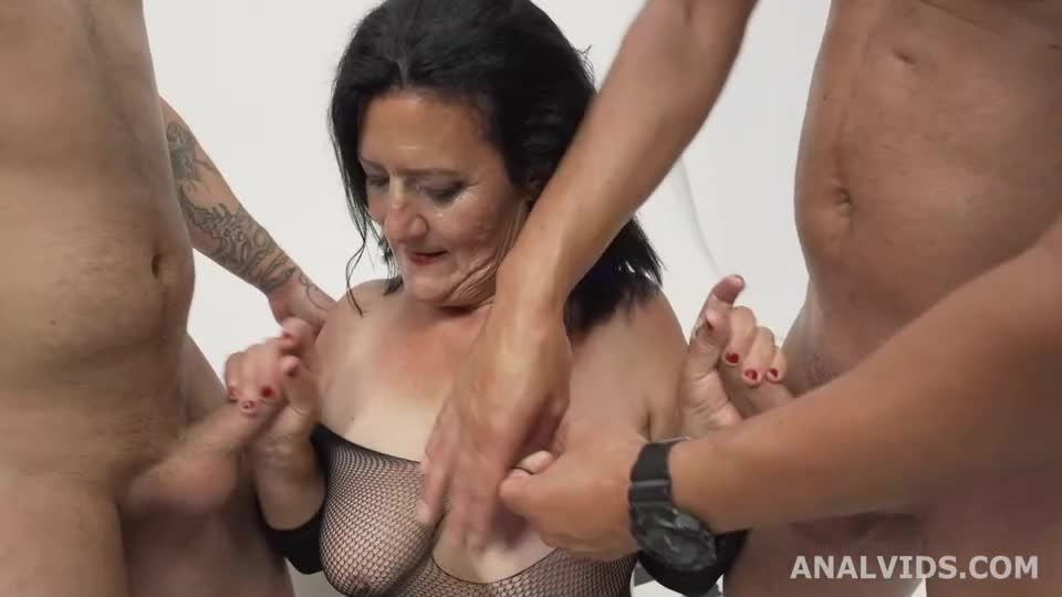 Mother Vs Daughter wet Battle with Balls Deep Anal, Gapes, DP, Pee, Crempie and Swallow (LegalPorno) Screenshot 2