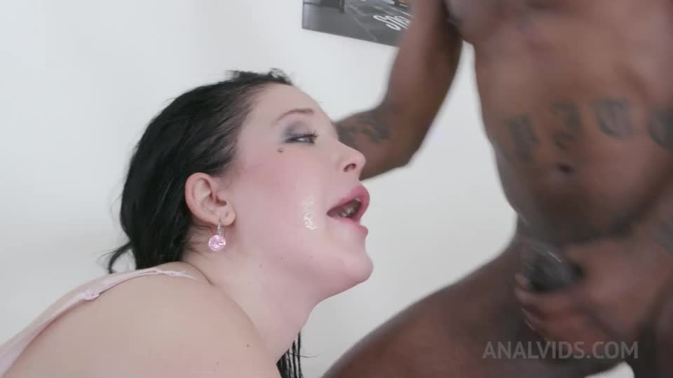 [LegalPorno] Enjoys anal pounding with 3 BBC KS145 - Isabel Diamond (DPP)/(3M1F)