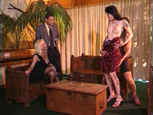Casa Rosso (Helen Duval) Screenshot 0