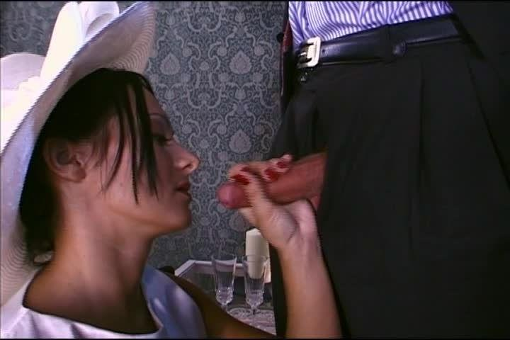 Offertes à tout 12: Fantasmes de Minettes (Video Marc Dorcel) Screenshot 1