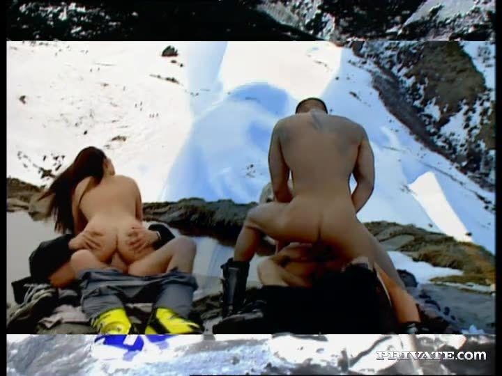 Private Xtreme 4: Alpine Sex - Gina Blonde, Vanessa Virgin (Orgy)/(3M2F)