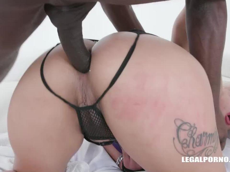Tries african champagne (LegalPorno) Screenshot 6