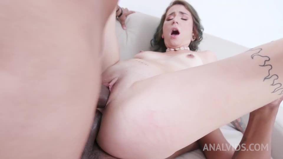 Sexy Thalia Senna assfucked by 2 BBC in hot threesome with DP YE096 (LegalPorno / AnalVids) Screenshot 5