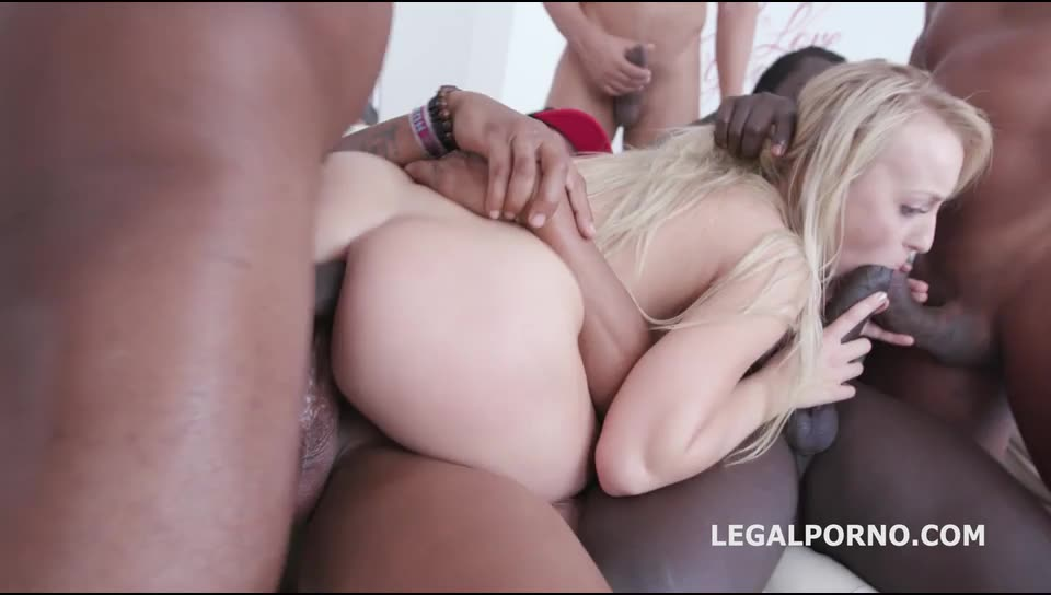 [LegalPorno] BBC GangBang, Kira gets her dream only black guys and only in the ass - Kira Thorn (DAP)/(Interracial)