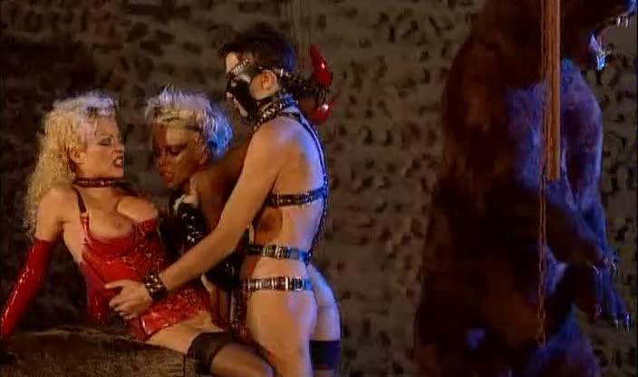 [Private] Pirate Deluxe 14: Splendor of Hell - Rita Faltoyano, Angelica Bright, Monique Covet (DP)/(BDSM)