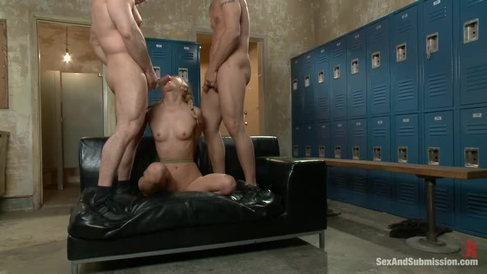 Take One for the Team (SexAndSubmission / Kink) Screenshot 7