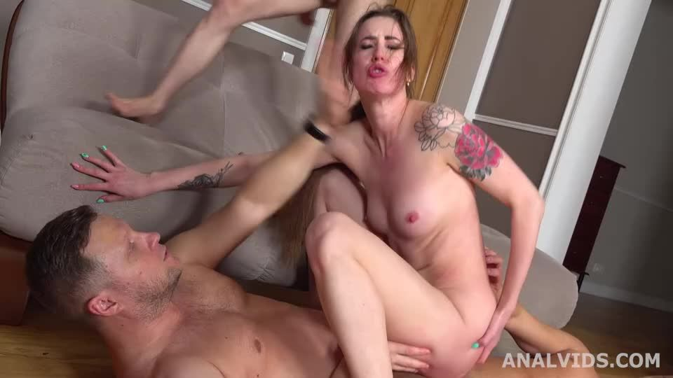 Wet In Russia, Balls Deep Anal, DP, Gapes, Pee Drink and Swallow (LegalPorno) Screenshot 4