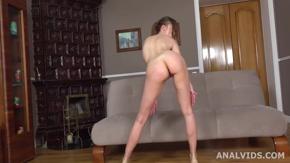 Wet In Russia, Balls Deep Anal, DP, Gapes, Pee Drink and Swallow (LegalPorno) Screenshot 6