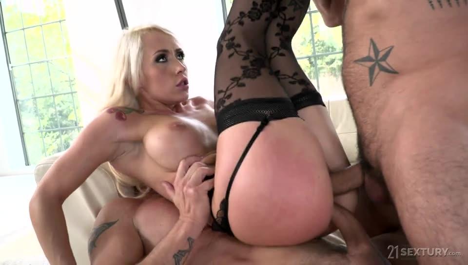 [DPFanatics / 21Sextury] Atomic Blonde - Christina Shine (DP)/(High Heels)