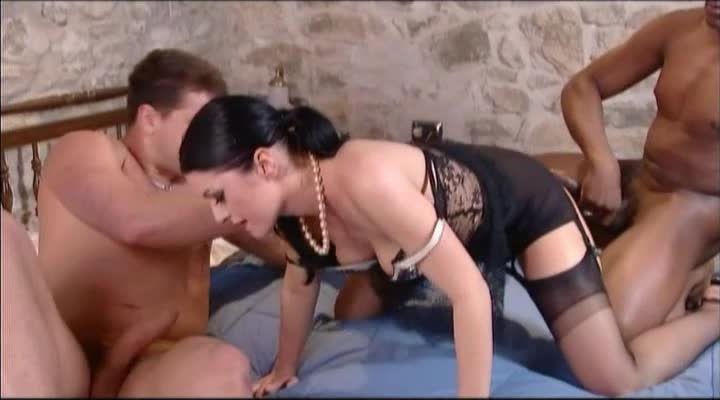 Danger in the Night / La fille du parrain (H2 Video / Tabu Love / Marc Dorcel) Screenshot 2