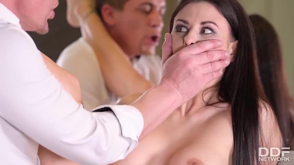 Twisted Love Quadrangle Gets A Little Crazy! (HandsOnHardcore / PornWorld) Screenshot 2