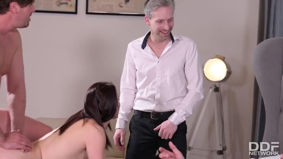 Twisted Love Quadrangle Gets A Little Crazy! (HandsOnHardcore / PornWorld) Screenshot 5