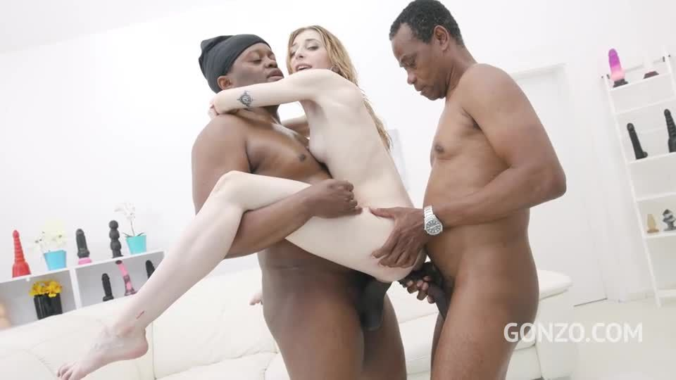 Returns to Gonzo to get fucked by 4 BBC and drink some piss (LegalPorno / AnalVids / Gonzo) Screenshot 8