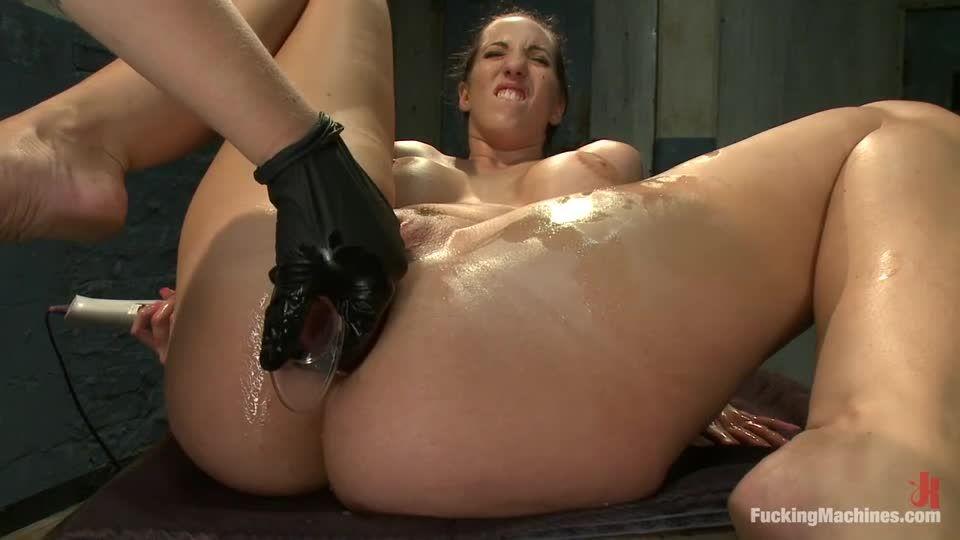 ASS ASS ASS: Fists, Cock, Machines ALL Inside Kelly Divine's Butt (FuckingMachines / Kink) Screenshot 2