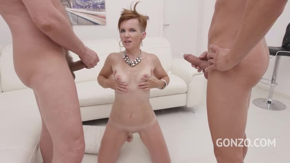 Hot MILF welcome to Gonzo with first time Double Anal (LegalPorno) Screenshot 9