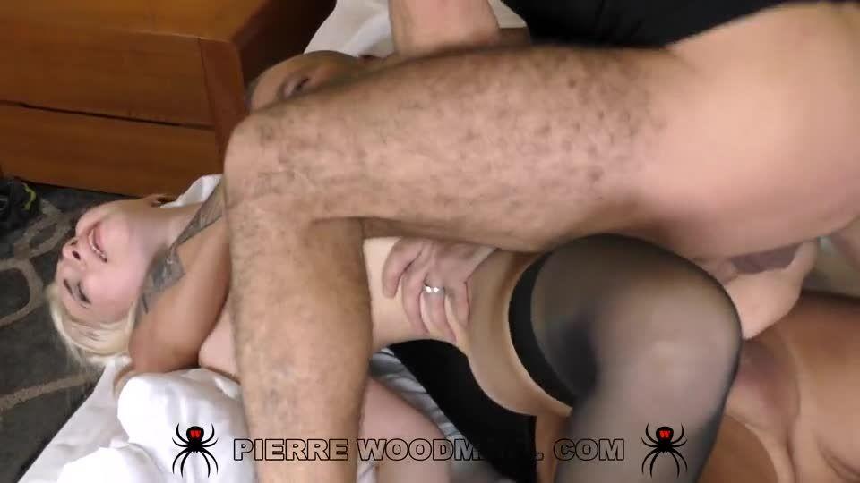 My first DP was with 3 men (WoodmanCastingX) Screenshot 6