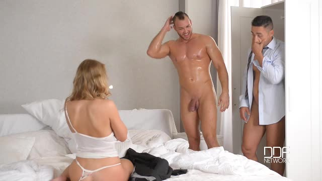 [HandsOnHardcore / DDFNetwork] Blonde Wife's Anal Sex Threesome With Hubby And His Boss - Milane Blanc (DP)/(Natural Tits)