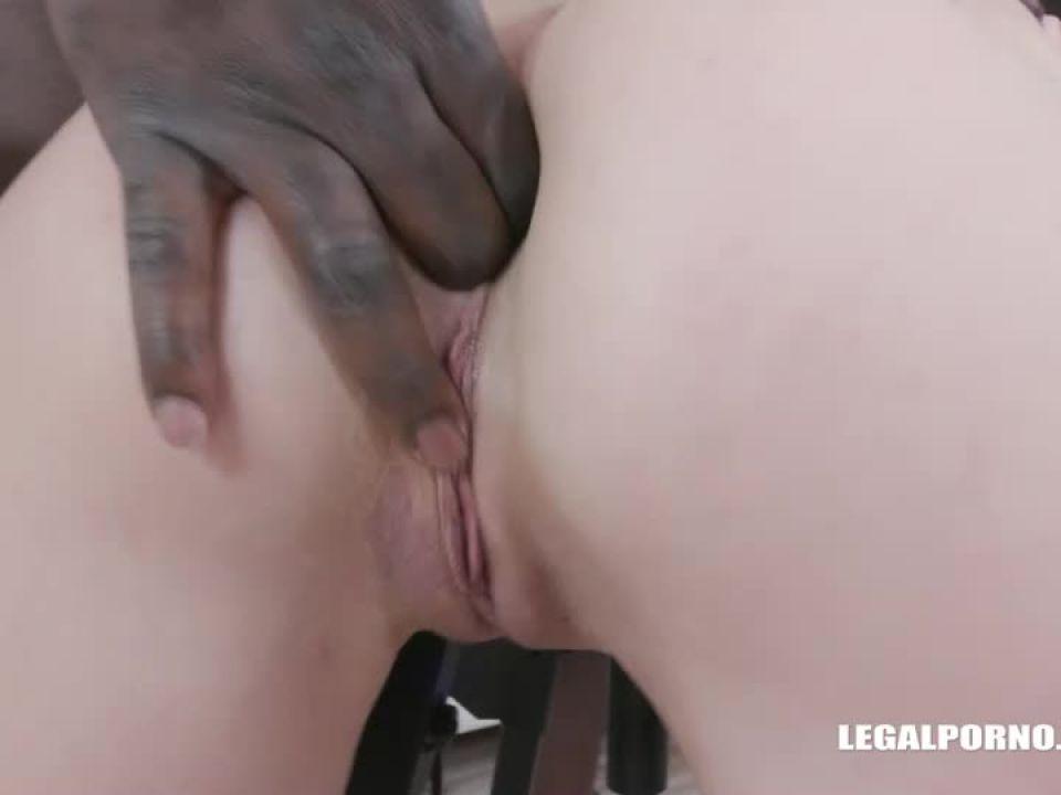 First time interracial (LegalPorno) Screenshot 1