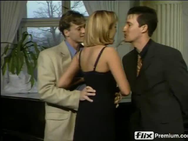 Schluckende Mädchen im Internat (BB-Video) Screenshot 0