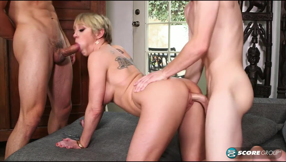[ScoreHD / PornMegaLoad / 40SomethingMag] The busty boss gets DP`d - Dee Williams (DP)/(Big Tits)