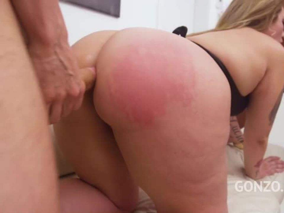 Curvy model double anal fucked by 3 guys (LegalPorno) Screenshot 3