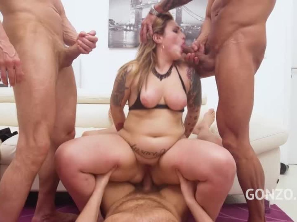 Curvy model double anal fucked by 3 guys (LegalPorno) Screenshot 7
