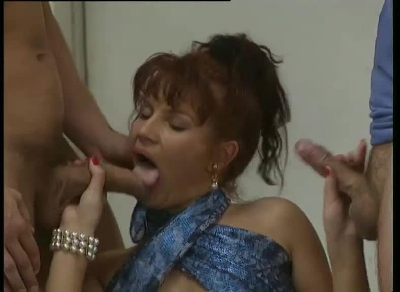 Clark Entertainment 29: Aquarius (DBM Video) Screenshot 2