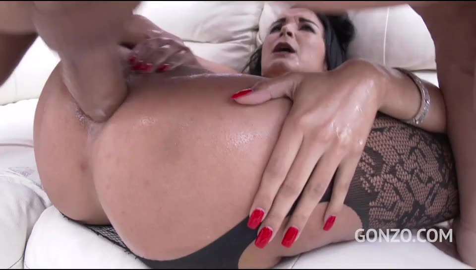 Rough double anal with fisting, squirting & pissing (LegalPorno) Screenshot 2